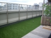 東京都世田谷区池尻大橋 マンションルーフバルコニーへ人工芝ステップターフが採用されました。人工芝施工後