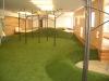 東京都千代田区飯田橋 グローバルキッズ飯田橋 室内の遊び場所(山周り)へ人工芝ステップターフ施工注文をいただきまして施工しました。