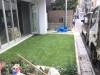 東京都渋谷区恵比寿 新築のレストランの前のお庭へ人工芝ステップターフが採用されました。人工芝施工後